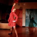 Aux Hivernales d'Avignon, Andréa Sitter danse pour la petite histoire.
